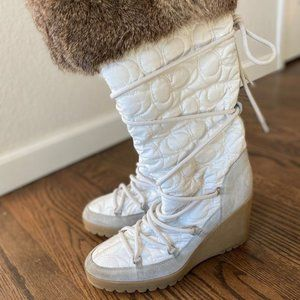 COACH Sophie Boot with real fur trim - size 8